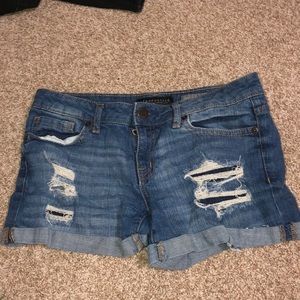 cute ripped aeropostale shorts size 2